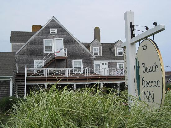 Beach Breeze Inn - front