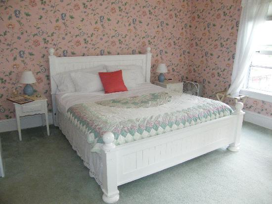 Taylor House Inn: Aunt Nancy's Bedroom