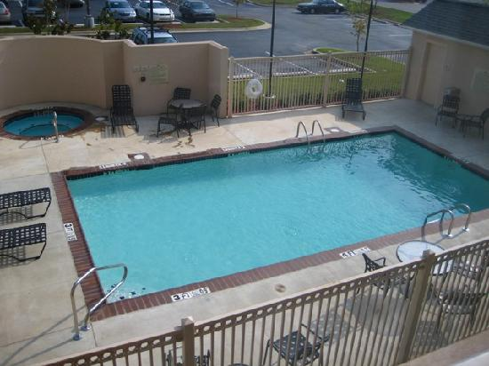 Hilton Garden Inn Jackson/Pearl: Swimming pool