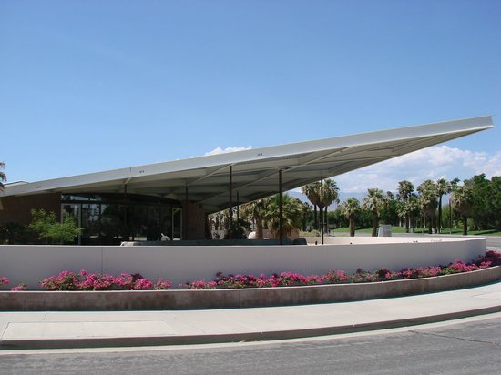 ‪Palm Springs Visitor Center‬