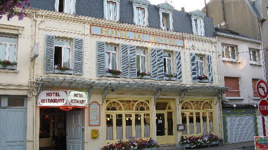 Hotel du Centre : Front