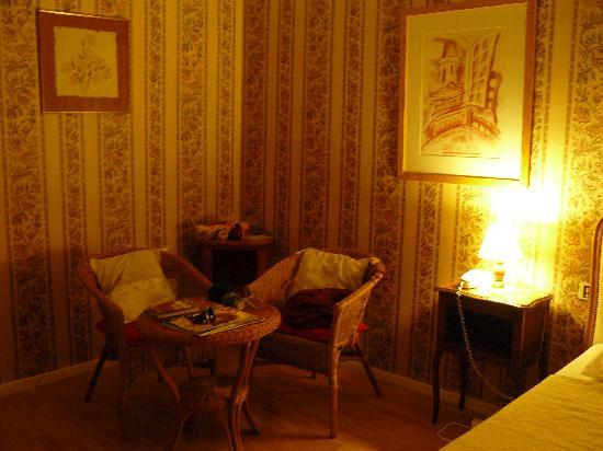 Hotel Le Siecle: habitación 14, sillas