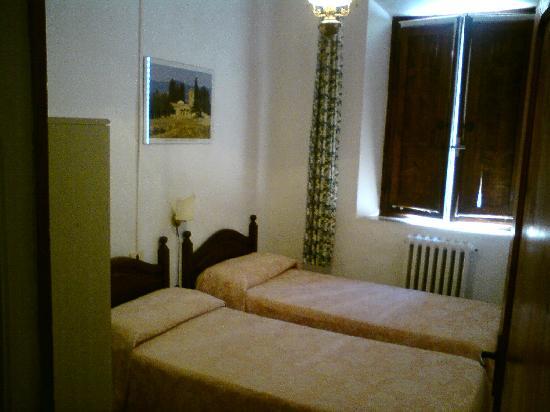 La Pergola: Chambre avec lits doubles