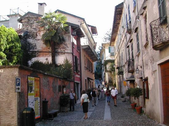Lake Orta: streets of Orta San Giulio