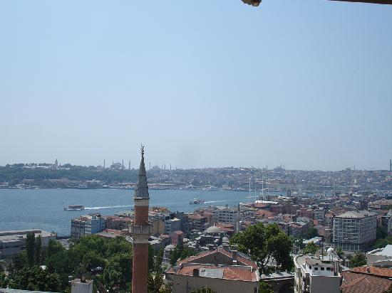 Witt İstanbul Hotel: view from the roof balcony