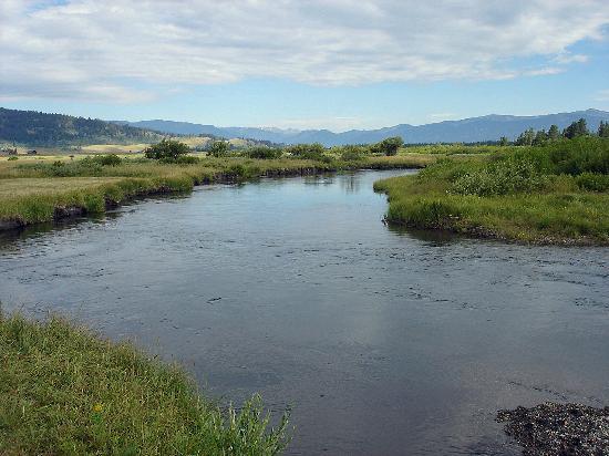 Bar-N-Ranch : A river runs through it