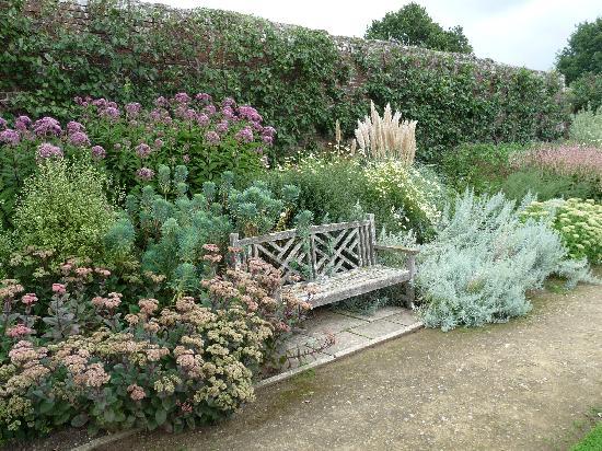 Parham House & Gardens: Garden in the rain