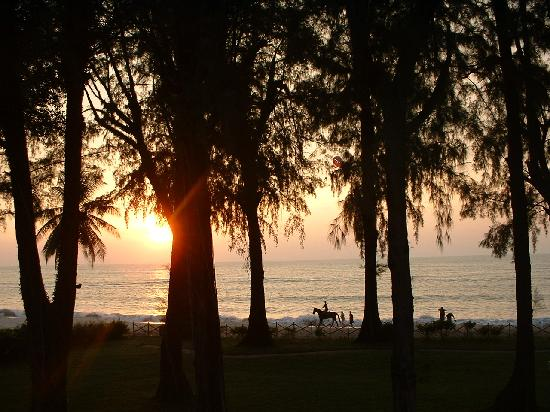 ปีนัง, มาเลเซีย: Sunset at Batu Ferringhi from Lone Pine Hotel