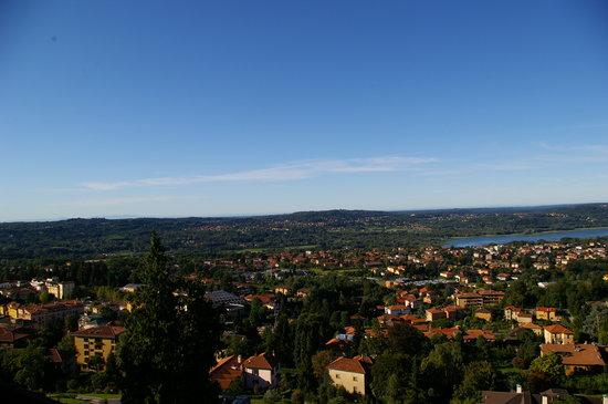 Vue depuis la chambre, grand angle sur Varese