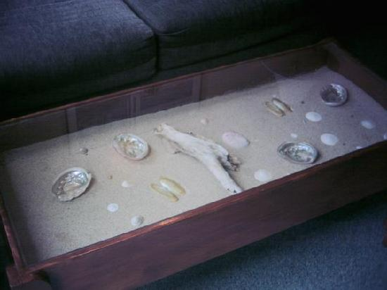 the coolest coffee table - picture of cayucos shoreline innon