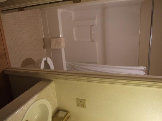 Caribou Hotel: Caribou Bathroom