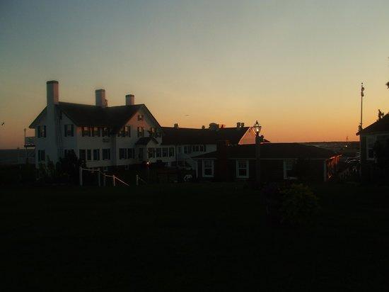 West Dennis, MA: the main inn