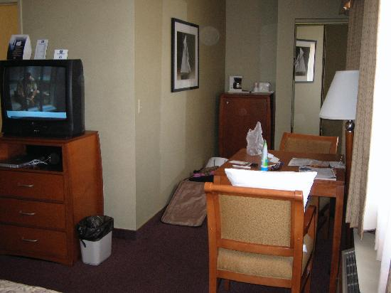 BEST WESTERN Royal Palace Inn & Suites: room - back