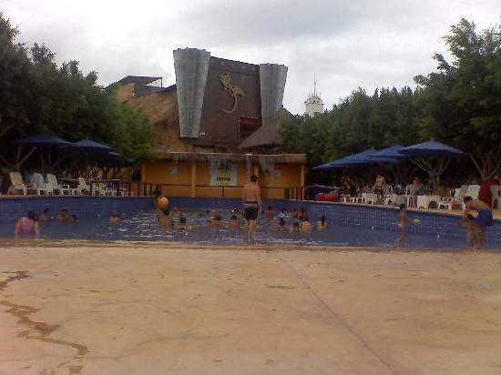 Magic World Aquatic Park : igual la alverca d eola con un sol buenisimo