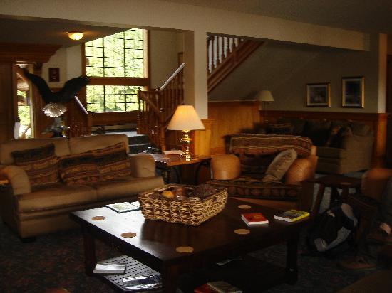 Eagle Nook Resort : Relaxing area.