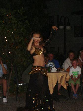 New Mandarin Apart: Turkish night - Belly dancer