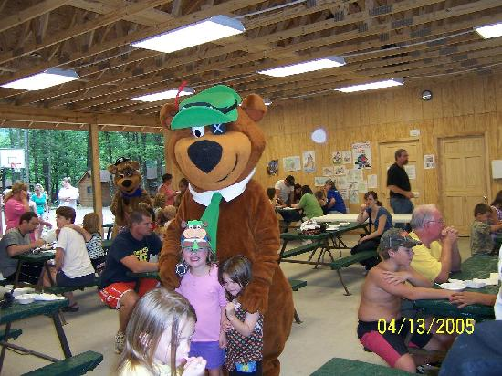 Yogi in the Smokies: ice cream social w/ yogi & boo boo