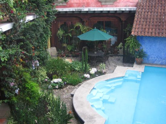 Hotel Palacio de Dona Beatriz: poor and central courtyard