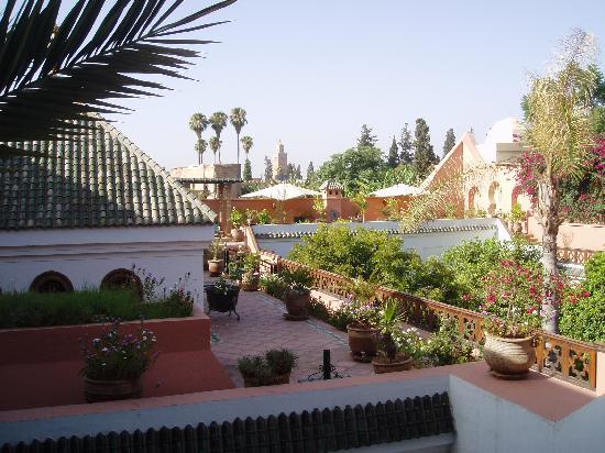 Palais Donab: view across the upper terrace