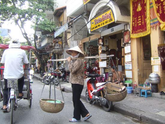 Chains First Eden Hotel: street scene, Hanoi