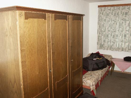 Gästehaus Gregory: L'armadio