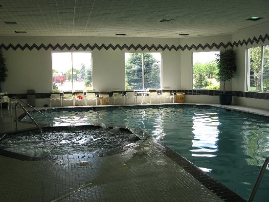 La Quinta Inn & Suites Coeur d'Alene : The Hot Tub And Pool