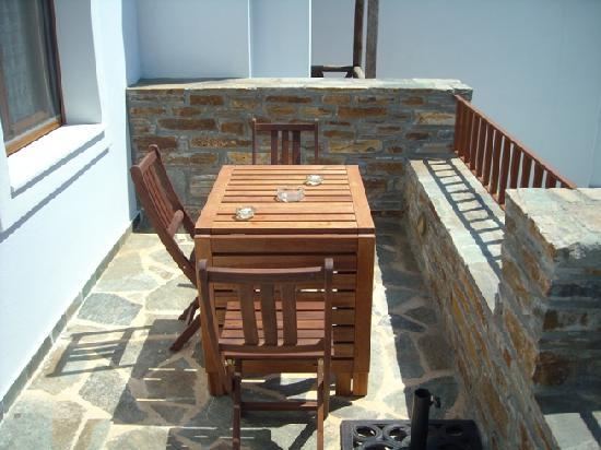 Ionia Studios: room photo balcony 2