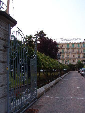 cancello entrata Palace Hotel Meggiorato