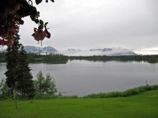 Winterlake Lodge: view from cabins