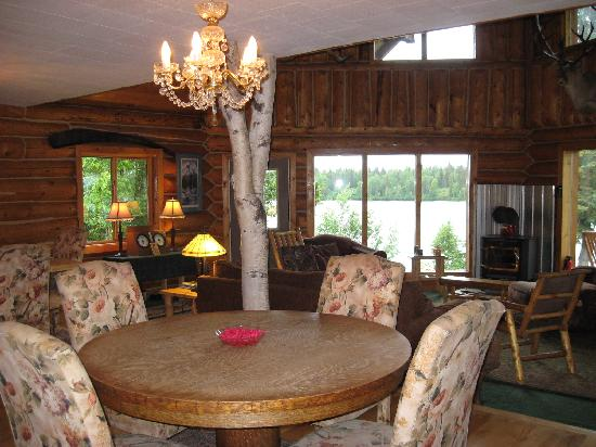 Winterlake Lodge: game table in main lodge