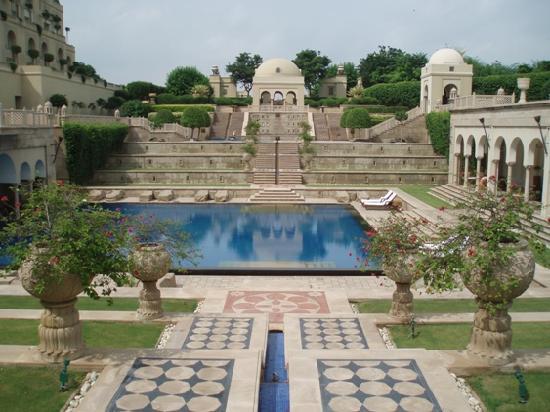 The Oberoi Amarvilas: La piscina di giorno
