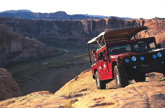 Off-road tour overlookig Moab