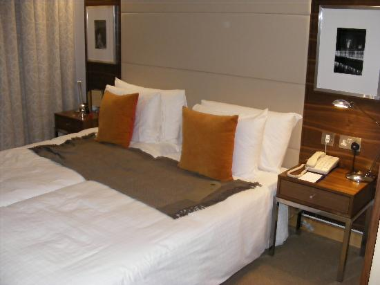 Park Plaza County Hall London: Twin Beds!
