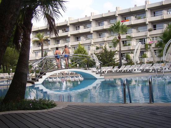 Palmira Beach: piscina hotel