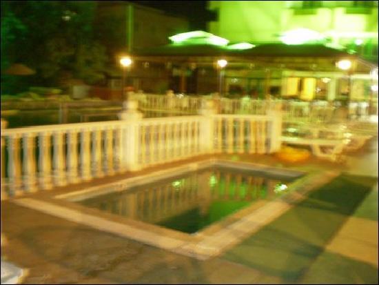 Panormos Hotel: PANORMOS AT NIGHT