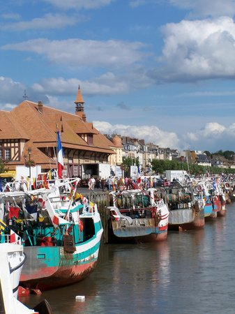 Trouville-sur-Mer, França: Trouville fishing boats