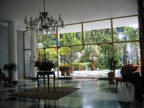 Hotel Avila: Lobby