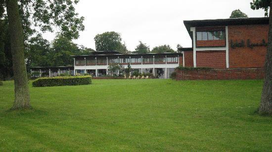 Hotel Hesselet: lawn