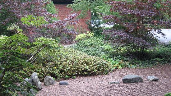 Hotel Hesselet: japanese garden