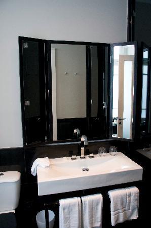 Hotel Montefiore: Montefiore Hotel, bathroom