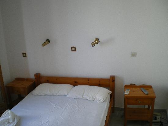 Sergis Hotel: il letto per i puffi!!