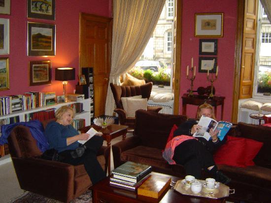 20 London Street: Sitting area