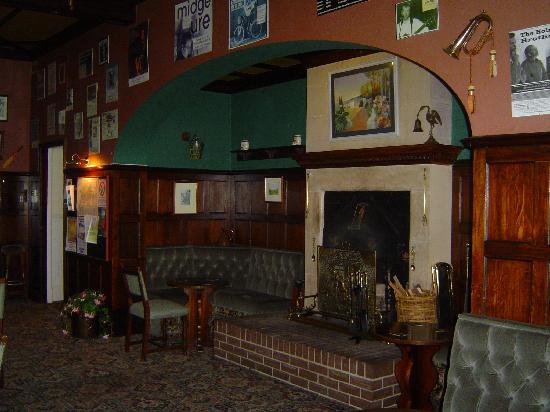 Invernairne Hotel: Bar
