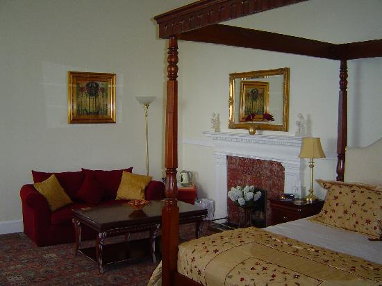 Invernairne Hotel: Firthside room