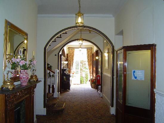 إنفرنيرن جست هاوس: Hallway
