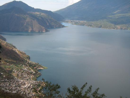 Hotel Kakchiquel : vista del lago de atitlan, espero les agrade.