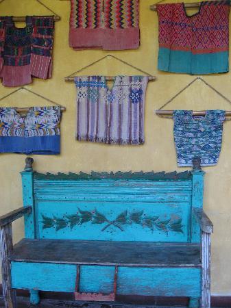 Quinta de las Flores : hallway bench