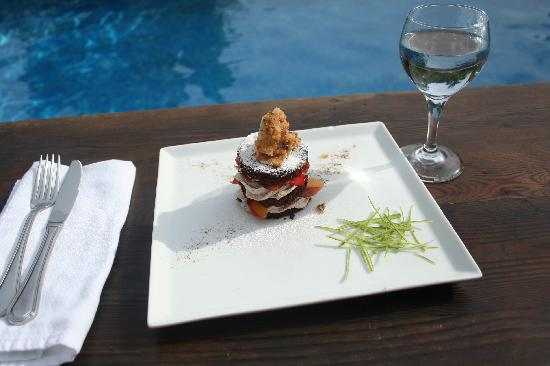 Casa Chameleon : one of chef Mario's dessert creations