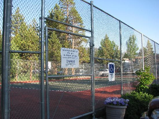 Tahoe Beach and Ski Club: On site Tennis Courts too!