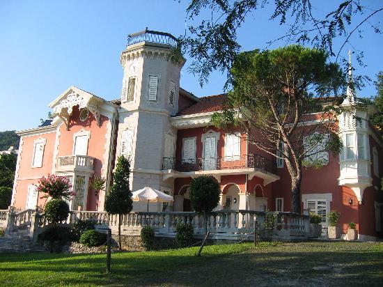 letto picture of villa bottacin trieste tripadvisor